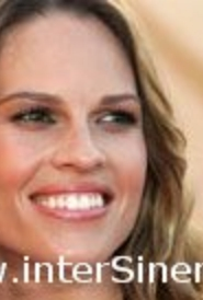 Hilary Swank 'labirent'e giriyor